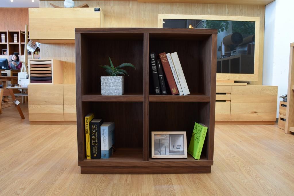 ウォールナットの本棚