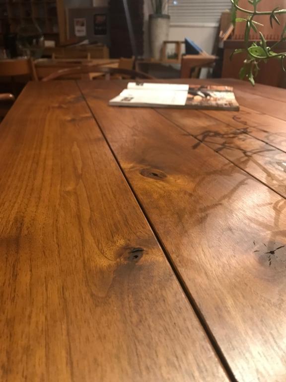 素材を楽しむテーブル