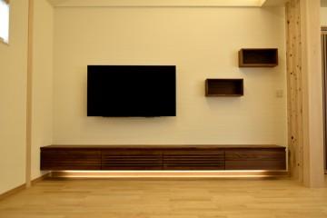 壁掛け TV レコーダー