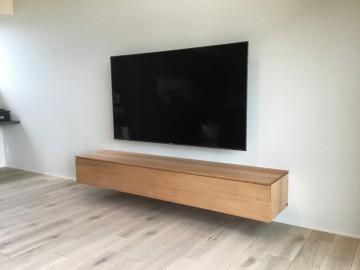 壁掛け TV ブルーレイ