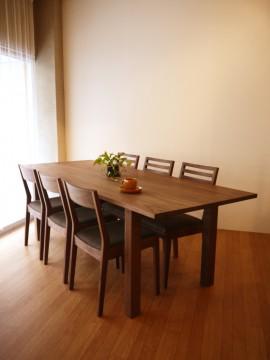 ミヤモト家具 ダイニングテーブル